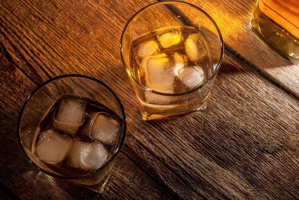 如果你送我一瓶威士忌,我会怎么喝?